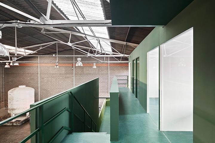 Adecuaci n de oficinas en una nave industrial arquitectura g for Oficinas industriales