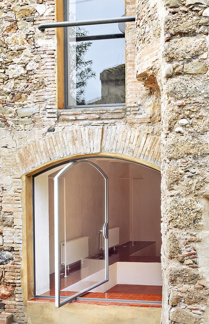 Rehabilitaci n de una vivienda en la tallada girona arquitectura g - Arquitectura girona ...
