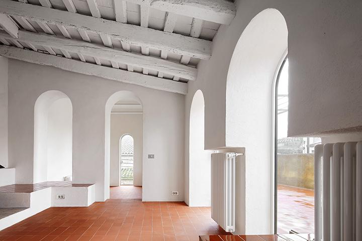 nuestro proyecto rehabilitacin de una vivienda entre medianeras en la tallada dempord ha sido publicado en el nmero 199 de la revista arquitectura viva - Arquitecturaviva